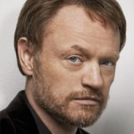 Jared Harris é Hodge Starkweather!