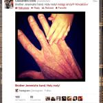 Cassie posta foto da mão do Irmão Jeremias