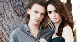 Galeria atualizada – Outra versão da still de Clary e Jace