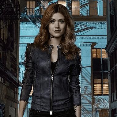 EW traz spoiler sobre Clary e a Espada da Alma!