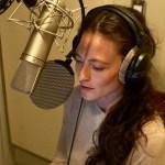 """Lara Pulver irá narrar o 3º conto de """"Fantasmas do Mercado das Sombras""""!"""
