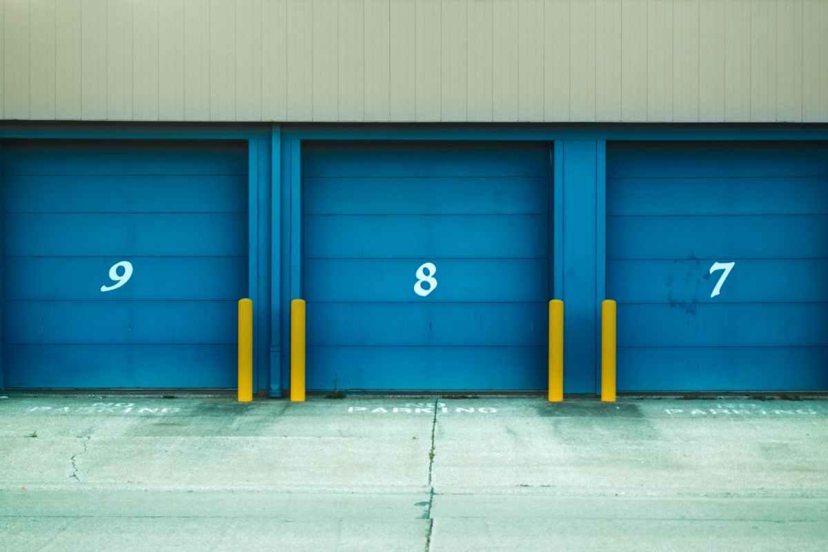 Garage, box