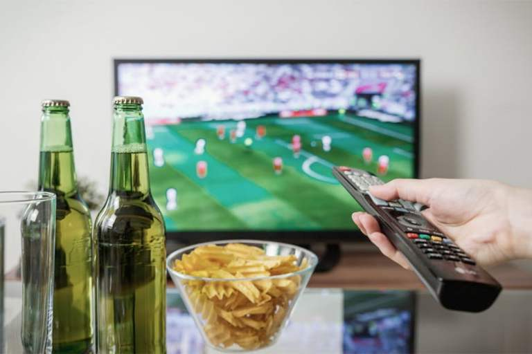 And the winner is… TELEVISION! Spectacle and sport in a pandemic