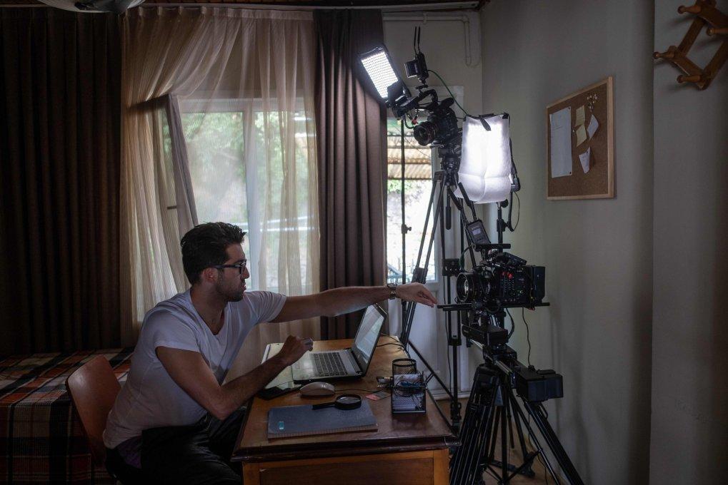 L'acteur turc Doğu Demirkol est enregistré pour un épisode de l'émission