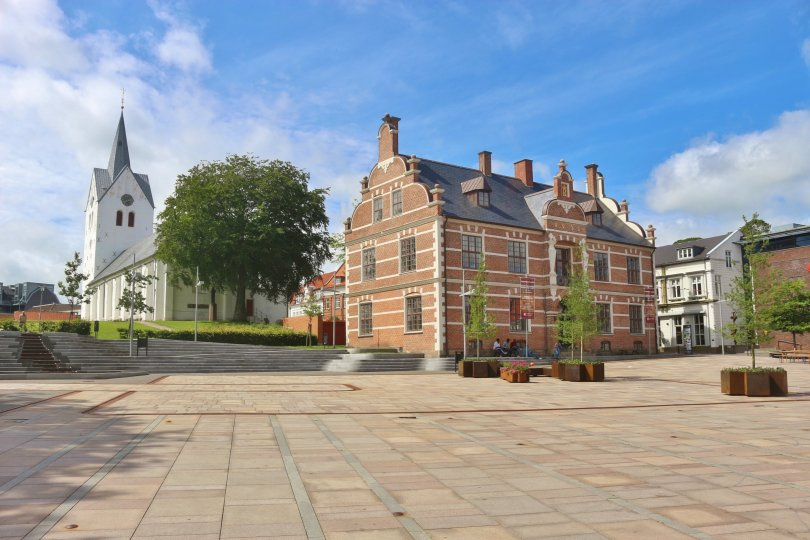Townhall and church of Thisted. (Shutterstock Photo)