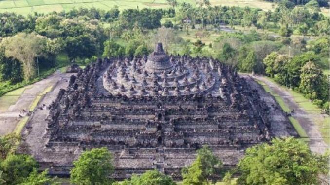 Pesona Candi Borobudur Jogja