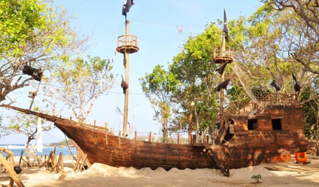 Kapal Captain Jack Sparrow Salah Satu Objek Wisata Nusa Dua Bali