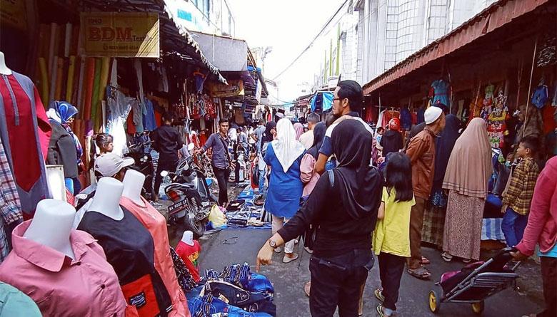 Pasar Bukittinggi tempat belanja murah