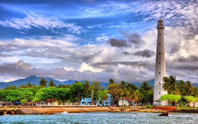 Pesona Pantai Anyer menjadi daya tarik wisatawan
