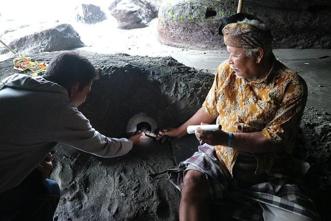 Ular Penjaga Pura Salah Satu Fakta Tanah Lot Bali