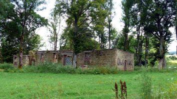 Płonna - ruina cerkwi