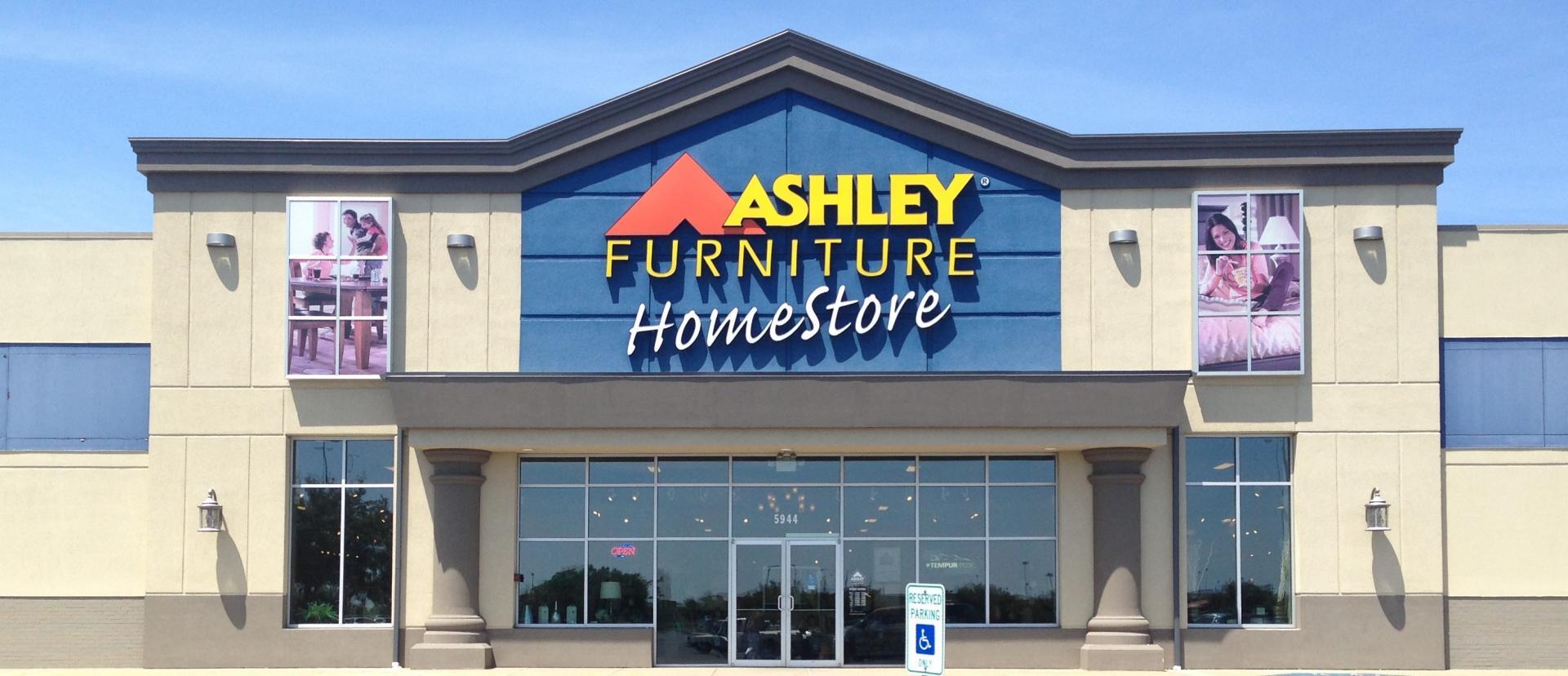 Job fair to help displaced Ashley s Furniture workers find employment  Job  fair to help. Ashleyfurniturestore com   Descargas Mundiales com