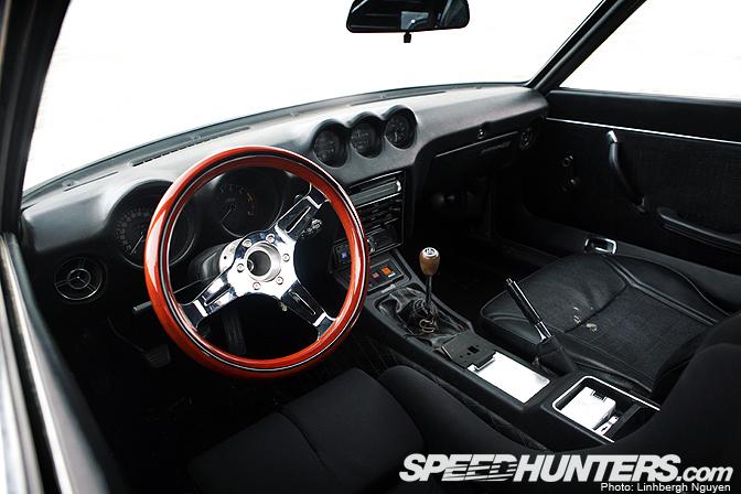 240z_interior