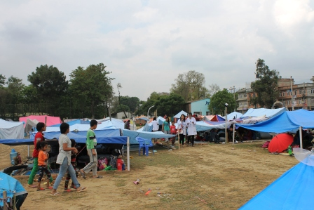 Students raising awareness to prevent possible outbreaks. Image via http://www.pahs.edu.np/patan-hospital-earthquake-disaster-relief-fund/photo-gallery/