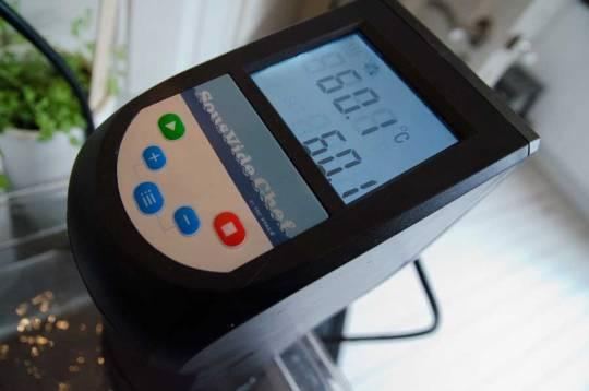 Med sousvide har du fullstendig kontroll på temperaturen når gelatinen skal løses opp, men dette kan sikkert også enkelt gjøres i vannbad.