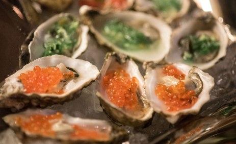 Jeg har aldri vært veldig ivrig på østers, men med årene har jeg vent meg til å spise østers. At det er en så god grunn til å spise Stillehavsøsters, tror jeg faktisk gjør at jeg synes de smaker enda bedre.