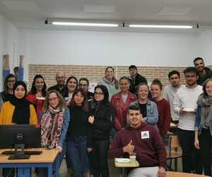 Comercio Internacional despide al alumnado francés