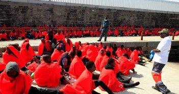 Почти 800 мигрантов были спасены на борту десятков лодок в Андалусии и на Канарских островах