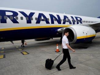 Внимание пассажиров: Ryanair начинает с этого четверга сбор за ручную кладь