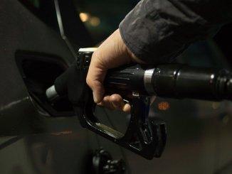 Стоимость бензина и дизельного топлива в мае значительно поднимется