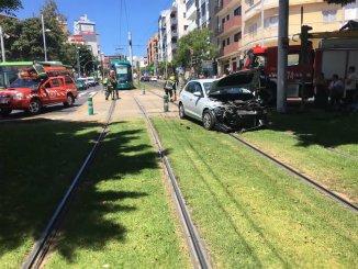 Ранены семь человек в аварии с машиной и трамваем на Тенерифе