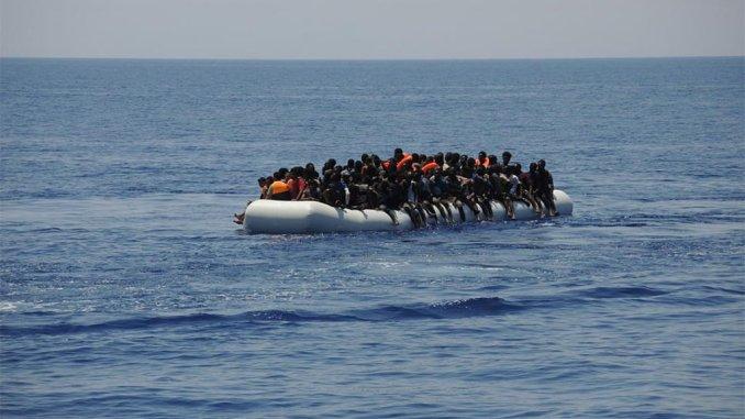 Коронавирус из Африки продолжает прибывать на Канары вместе с иммигрантами