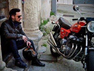 """""""Не разбивайте ваше желание жить об асфальт"""" - министр просит мотоциклистов в их праздник"""