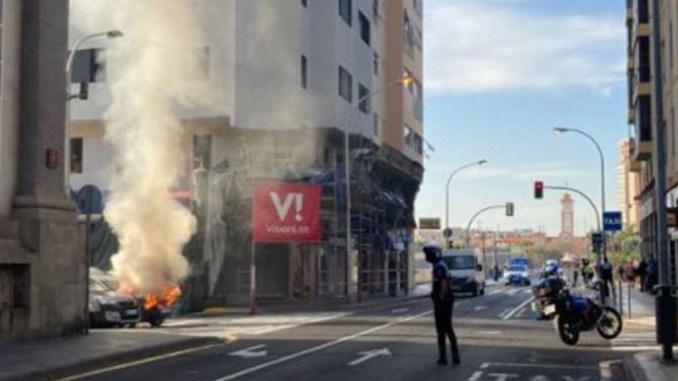 На севере острова Тенерифе сегодня горели легковые автомобили