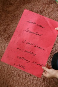 サンタさんへのお手紙。サンタさんの回答はご主人の通訳によるものです。
