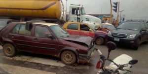 Tanker Collides With 6 Automobiles In Ibadan.
