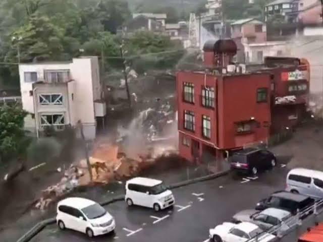 2 Feared Dead, 20 Missing As Mudslide Hits Atami Japan