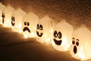 Milk Jug Ghost Lantern creative halloween craft ideas