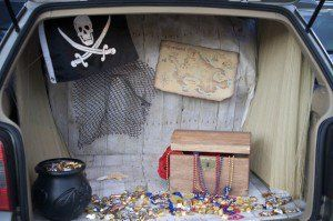 9 Fun Ways to Decorate Your Car for Trunk or Treating