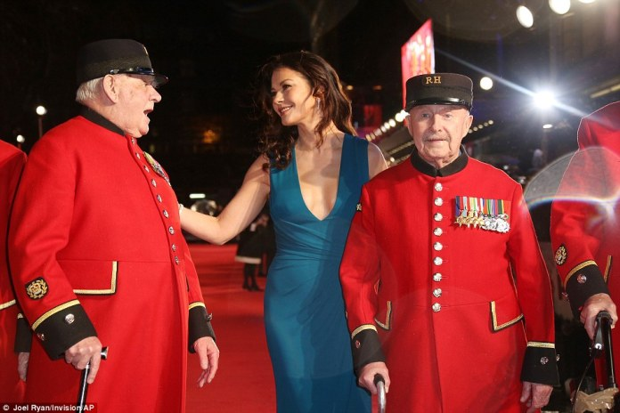 Catherine Zeta Jones chatted to the Chelsea Pensioners