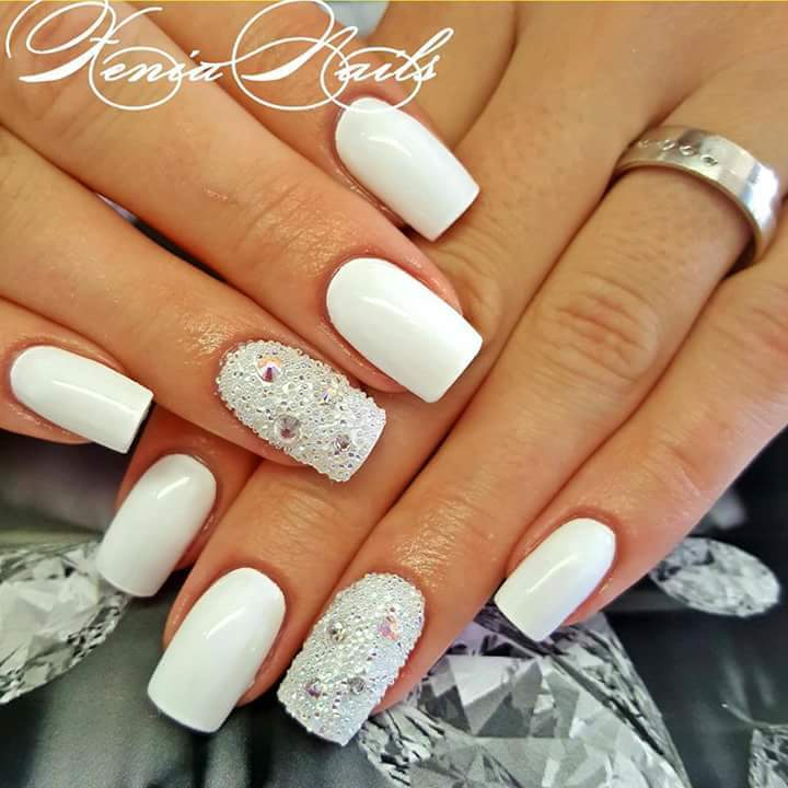 40 Beautiful Nails Polish and Art Designs For Women - iFashy