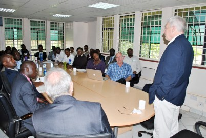 Scott Angle holds an introductory meeting with IFDC Kenya staff in Nairobi.