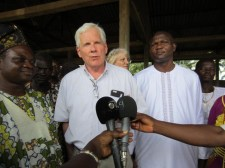 IFDC President and CEO J. Scott Angle speaks to local media while visiting Benin.