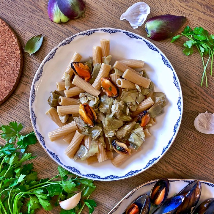 Tortiglioni integrali carciofi e cozze