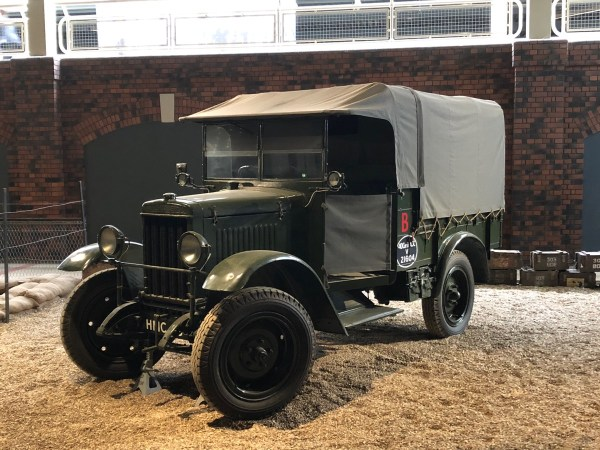 Morris Commercial 15-cwt R-Type Truck