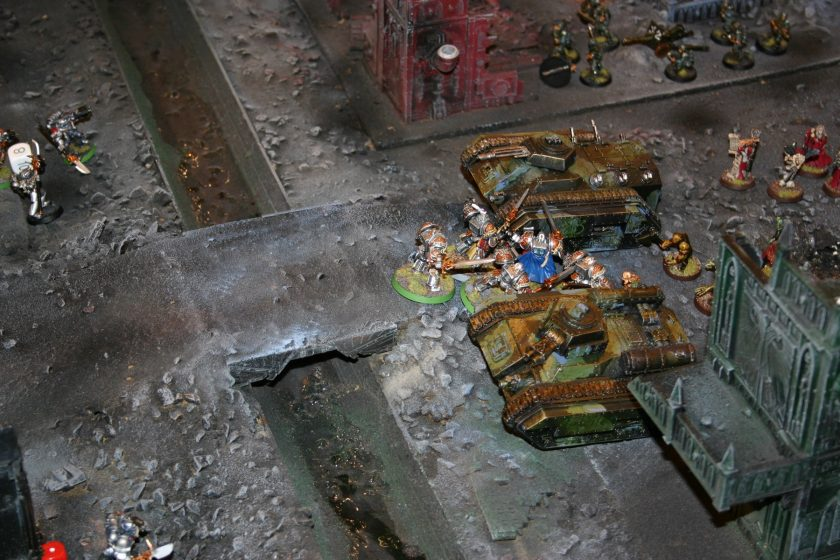 Grey Knights battle Chaos Renegades