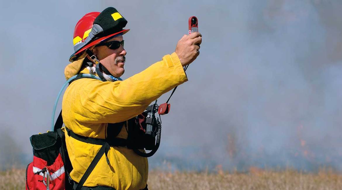 The Kestrel DROP 3500FW provides fire authorities like this one with wireless, accurate readings.