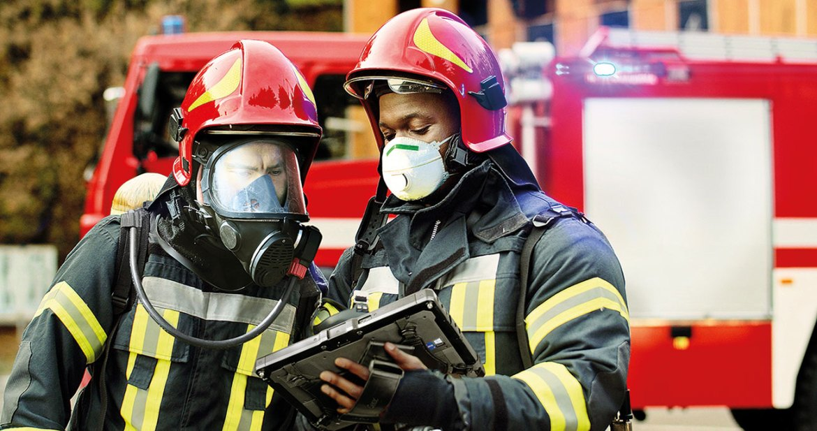 Fire fighters use the Getac K120 rugged tablet.
