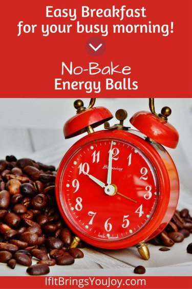 Easy, delicious and health breakfast that you can grab on your way out the door. No-Bake energy cookie balls are an easy breakfast for your busy morning. #breakfast