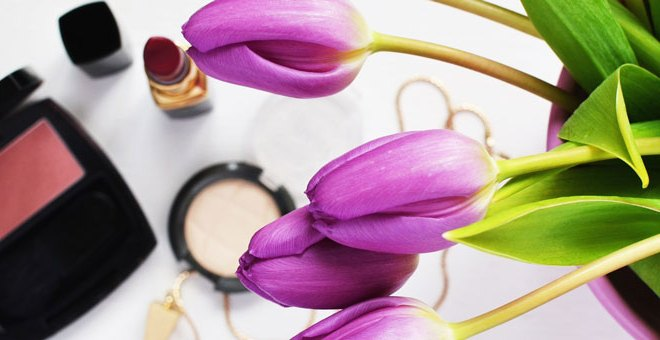 Makeup Ingredients to Avoid (And the Non-Toxic Makeup to Use Instead)