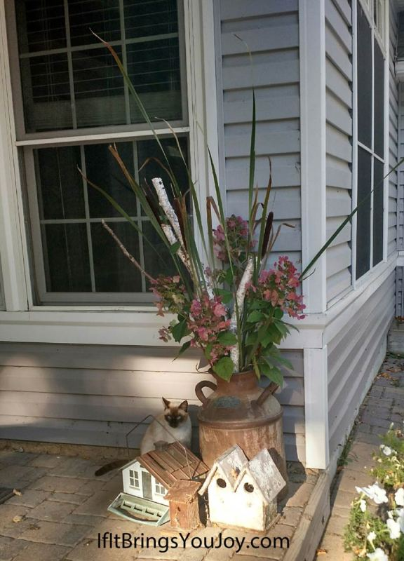 Decorative outdoor planter using elements from nature.