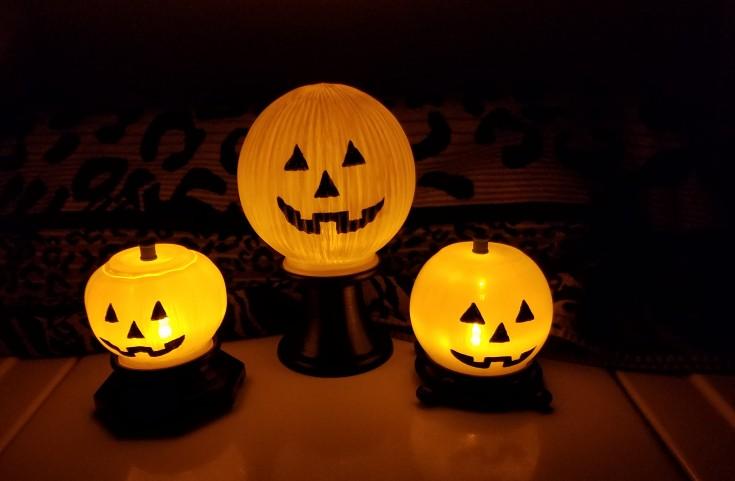 DIY Jack-o-lantern lamps