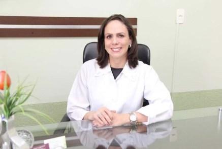 Dra. Rosana Teodoro Jajah Grison (Flórida) fez aniversário e comemorou ao lado do esposo Dr. Max e filhos