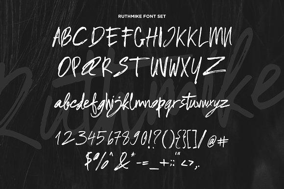 Ruthmike Brush Font
