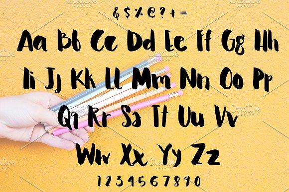 Serene Script Font