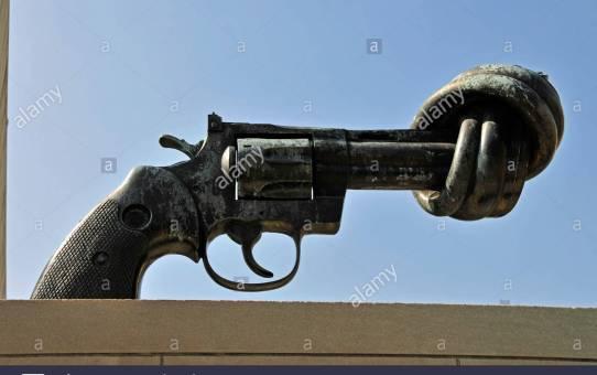 Wütende Lehrer bewaffnet mit einer Pistole?